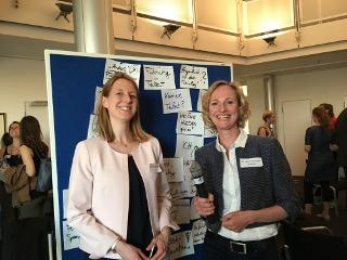 Bild mit Katharina Hochfeld und Dr. Anke Bytomski-Guerrier